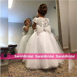 Wholesale Shop Custom Made Flower Girls Dresses Online for Baby Kids Formal First Communion Wedding Bridal Party Wear Vintage Beaded Ball Gowns