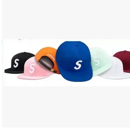 Wholesale Popular Designer S Letter Logo Hip Hop Hats Adjustable Snapbacks For Adults Mens Womens Solid Color Cayler Son Baseball Caps Sun Visor Sale