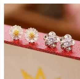 new design Free Shipping 925 Sliver Earring Stud daisy style ear-hole protecion women girls jewelry earring