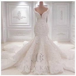 luxury Lace Wedding Dresses 2019 Spring Designer New Crystal Pearls Embroidery For Church 3D-Floral Appliques Bridal Gowns