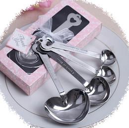 Mariage met en vente à vendre-4pcs / set Favors de mariage Cadeaux de fête en forme de coeur Mesurer les cuillères ensemble avec la boîte-cadeau rose En forme de coeur cuillère Amour en acier inoxydable Cadeaux vente chaude