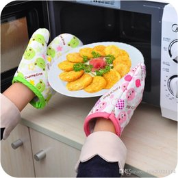 Wholesale Creative cartoon animal microwave oven mitts lovely kitchen gloves for protection against hot Single sale Canvas plus cotton quality
