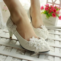 Wholesale Lace Wedding Flats For Bride - 2016 Hot Women Lace Flower Wedding Shoes for Bridal Women High Heels Wedding Shoes Bride Bridesmaid Dancing Shoes