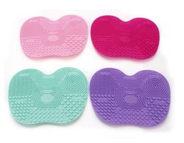 Wholesale Makeup Brush Cleaner Cleaning MakeUp Washing Brush Silica Cleaning Mat Pad with Sucker Brushegg Silica Scrubber Board