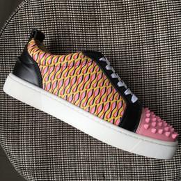 La conception de chaussures de couleur en Ligne-1: 1 copie Toe Pointu des nouvelles femmes Hommes Low Top Red causales Bottom Design Chaussures bloc couleur cuir véritable Flats strass de luxe 36-46