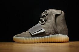 Wholesale 2016 más nuevo de Kanye West Boost Marrón Gum brillan en la oscuridad zapatos de baloncesto de las zapatillas de deporte MenWomen Deportes patea el tamaño con la caja original
