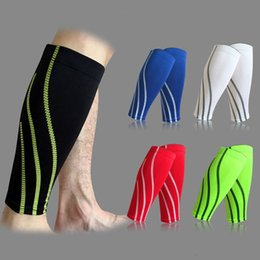 Wholesale Pair Football Pads Shin Guards Soccer Protective Leg Calf Compression Sleeves Sports Safety Cycling Running Fitness shinguards