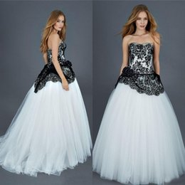 2016 Black and White Wedding Dress Gothic Bridal Gowns Strapless Lace Top Sleeveless Peplum Tulle Bridal Gowns Cheap High Quality Custom