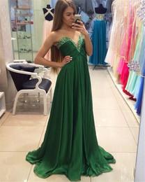 Платье на выпускной зелёного цвета