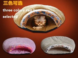 Wholesale Pet supplies ultra thick waterproof super soft with paw print cat sleeping bag pet litter cat channel kennel dogs and cats mat cat litter