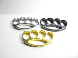 Wholesale GILDED THICK THICK STEEL BRASS KNUCKLE DUSTER color Gold plating silver and black brass knuckle clutch knuckle knives self defense tool