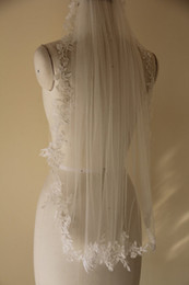 New Real Image Simple Romantic Lace Applique Edge With Comb One Layer Lvory White Wedding Veil Fingertip Length
