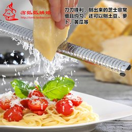Wholesale Cheese Graters Fruit Spice Chocolate Grater Lemon Zester Nutmeg Citrus Brush Stainless Steel PP Handle Kitchen Gadgets