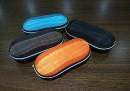 Wholesale New Portable Round Peanut Sunglasses Hard Eyewear Box Plaid Zipper Glasses Case Eyeglasses