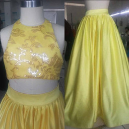 Sparkly 2019 Two Pieces Girls Pageant Dresses Halter Neck Sleeveless Sequins Crop Top Light Yellow Kids Formal Gowns Real Image