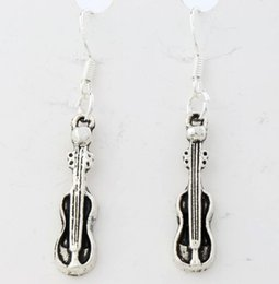 Wholesale 2016 hot x6 mm Antique Silver Guitar Music Player Earrings Silver Fish Ear Hook Chandelier E1632