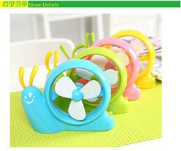Wholesale Hot Sale Summer Office Home Snail Mini Fan Cooling Desktop Candy Color Students Desk Small Fan USB Mini Air Conditioner