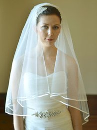 Hot Best Selling High Quality Luxury Elegant Fingertip Length Wedding Veil Ribbon Edge Two Layer White Ivory Champagne Bridal Veil With comb