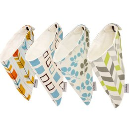 2Pcs lots Baby Towel Newborn Triangle Scarf Cartton Baby Bibs Waterproof Kids Girls And Boys Cotton Children Feeding Accessories