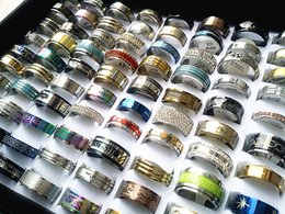 Wholesale 50pcs mixed lots Mens Womens stainless steel rings fashion jewelry party weeding ring random style