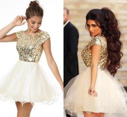 2016 Meilleures ventes Shiny Golden Sequins Girls Homecoming Dresses 2016 manches courtes Short Party Robes Robes Graduation Cheap à partir de belles robes à manches courtes fabricateur