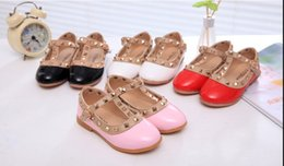2015 new Korean Hot Children's shoes Girls Leather shoes Princess Rivet Dance Shoes Kids Low-heeled Flats 2016 free shipping