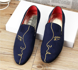2016 Fashion famous brand Men Loafers Embroidery Men shoes Men's Flats Slippers Mens Wedding Party Shoes embroidery Red Dress Shoes X18