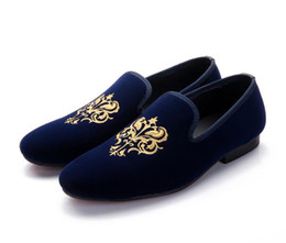 Promotion broderie chaussures plates Chaussures Loafer Hommes Styles Casual Canvas Flat Loafers Chaussures habillées Velvet Chaussures Broderie New Mode Mariage Chaussures Hommes Flats Pantoufles