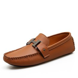 Wholesale Designer Mens Genuine Leather White Sapatilha Mens Casual Driving Loafers Brown Fashion Brand Slip On Driver Shoes For Men