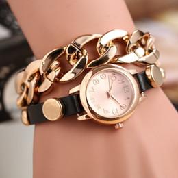 Montres de gros perle en Ligne-Gros-Splendid nouvelles Montres Chain Reloje Montre-bracelet Femmes Mode Femmes Quartz-montre Femme Horloge Fleur Imitation Perle