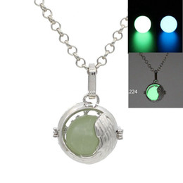 Hot sale! Hollow Round Ball Locket Pendant Wish Box Locket For Essential Oil Diffuser Aromatherapy Perfume Necklace Making