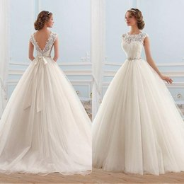 Cheap Ball Gown Puffy Wedding Dress Sheer Lace Jewel Neck Sleeveless Open Back Tulle Bridal Gowns with Beaded Belt Sweep Train