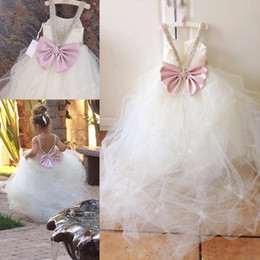 Lovely Flower Girls Dresses For Weddings Beads Square Back Bow Backless Girls Birthday Prom Dress Tulle Sweep Train Girls Pageant Dress