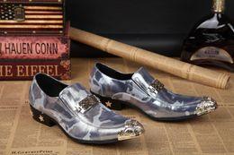 2017 la conception de chaussures de couleur 2016 mode de haute qualité Chaussures en cuir pour hommes Boucles en cuir véritable Color matching pointé design Men's chaussures en cuir de mode peu coûteux la conception de chaussures de couleur