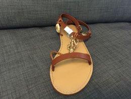 Wholesale actual shoes u390 genuine leather coral starfish flat sandals black brown luxury designer v runway fashion women fashion