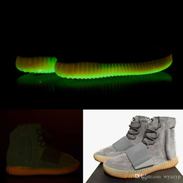 Acheter en ligne Lumières bottes-Produits de qualité Lumières Gomme grise avec Glow Les fonds foncés Chaussures Kanye West Chaussures nouvelles chaussures Authentiques 750 Boost Hommes Sports Bottes décontractées Plus récentes