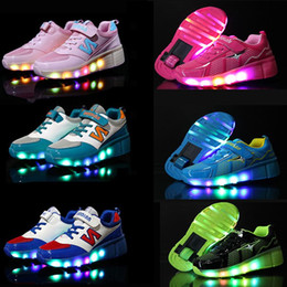 Wholesale Children Heelys Wear Resisting Wheels Shoes Boy Girl Automatic LED Lighted Flashing Roller Skates Kids Fashion Sneakers TN5097