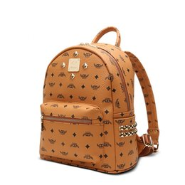 Wholesale High end quality new arrivel designer fashion korean men school backpack hot selling brand Punk rivet women shoulder daypack student bags
