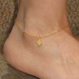 2016 in Europe and the contracted foot ornaments The hand of Fatima gold chains