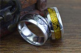 Tungsteno anillos de carburo de dragón en Línea-2 colores Anillo céltico del carburo de tungsteno del dragón Anillo del carbón de los hombres del anillo del carburo de tungsteno de la joyería para hombre Nuevo tamaño 6-12 Regalo de la tarjeta del día de San Valentín STR124