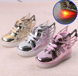 Wholesale 2016 children Luminous Sneakers Childrens LED Night Light Boots Fashion Casual Chinese Sports Shoes For Boys and Girls Sneakers kids