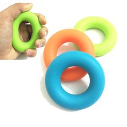 Descuento ejercitador de agarre anillo de apriete a mano al por mayor del silicio de fitness empuñaduras de agarre ejercitador de la fuerza muscular del entrenamiento del ejercicio de la muñeca del deporte
