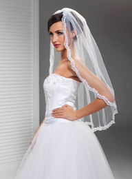 New Best Sale Fingertip Length White Ivory Lace Applique Edge Bridal Veil White Ivory One Layer Wedding Veil With comb 106