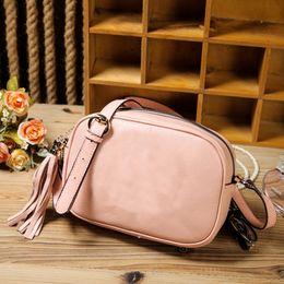 Распродажа женских кожаных сумок купить со скидкой в