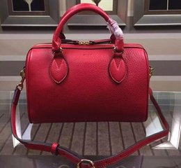 Wholesale Women Red Color Original Leather Top Handle Leather Trim Botton Linen Lining Gold Hardware Adjustable Shoulder Strap Double Handles