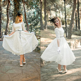 Garden Style A Line Jewel Tea Length Ivory Lace Short Wedding Dresses with Half Sleeve Low Back Custom Made Garden Bridal Wedding Gowns