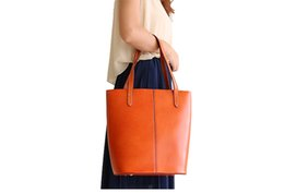 KISSUN-PRE-003 Veg Tanned Leather Vintage Women Shopping Bag Tote Bag Bucket Bag HOT Sales Design Inner Bag Can Be Moved 3 Colors Wholesale