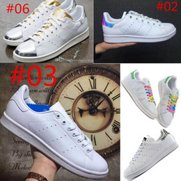Wholesale Drop shipping Colors Stan Smith Shoes For Men And Women Fashion Sneakers Casual Sport Leather Lovers Shoes Running Skate shoe