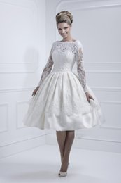 Wholesale New Cheap Amazing Vintage off shoulder Knee Length Wedding Dresses With Long Sleeves Sheer Lace Bridesmaid Dress appliques ball gown