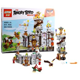 Wholesale 917pcs Lepin Birds King Pig s Castle Blocks Bricks Toys Set Game Model Animal Gift Compatible with Decool Sluban Bela LEGOelids
